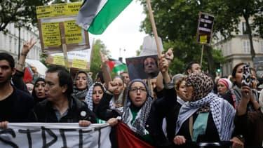 Entre 7.000 et 30.000 personnes ont manifesté dimanche à Paris en faveur de la population de Gaza.