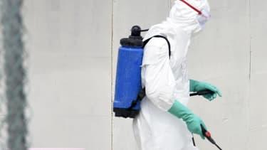 Un cameraman américain de la chaîne NBC a été infecté par le virus Ebola. Il va rapidement être rapatrié aux Etats-Unis.