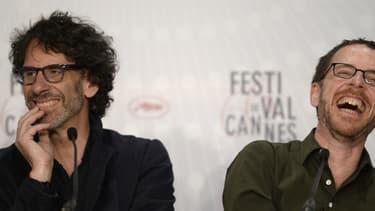 Les frères réalisateurs Joel et Ethan Coen en conférence de presse à Cannes