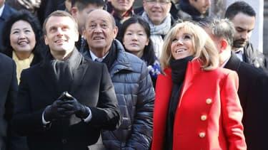 Brigitte et Emmanuel Macron visitent une mosquée à Xian, en Chine, le 8 janvier 2018.