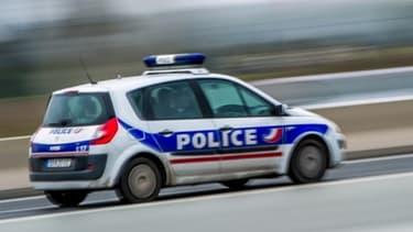 Un véhicule e police nationale - Image d'illustration