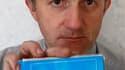 José Duquenoy, dont la femme a utilisé le médicament Mediator, a déposé mercredi à la sous-préfecture de Calais les statuts d'une association nationale de défense des victimes du Mediator (ADVM) qui revendique déjà environ 200 adhérents. A Bordeaux, le do