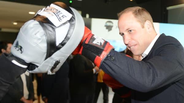 Le prince William boxe à Londres le 16 mai 2016
