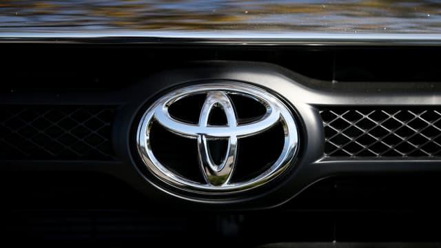 Toyota rappelle 2,3 millions de véhicules, dont 1,6 million à l'étranger.