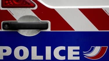 Détail d'un véhicule de police. (Illustration)