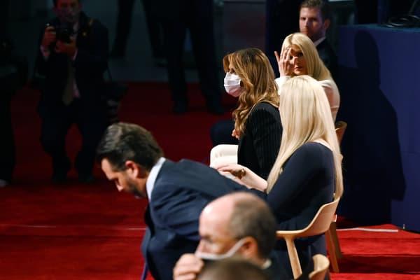 Melania Trump masquée le 30 septembre 2020, lors du débat Biden / Trump
