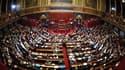 """Les deux chambres du parlement réunies à Versailles en juin 2009. Un Congrès sera convoqué avant l'été pour voter l'inscription dans la Constitution d'une """"régle d'or"""" sur l'équilibre des finances publiques. /Photo d'archives/REUTERS/Éric Feferberg/Pool"""
