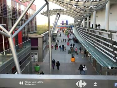 Le centre commercial du Carré de Soie à Vaulx-en-Velin