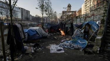 Camp de migrants installé le long du canal Saint-Martin à Paris,le 23 février 2018.
