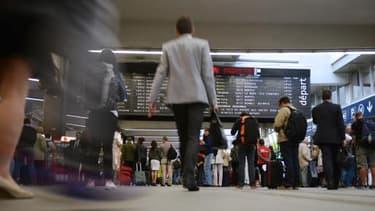Le Medef dénonce les dizaines de milliers d'heures de travail perdues par les salariés en raison des trains annulés.
