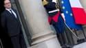 François Hollande sur le perron de l'Elysée le 17 avril 2015.