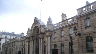 L'UMP critique les dépenses de François Hollande