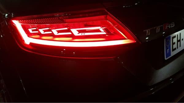 Les magnifiques feux OLED de cette nouvelle TT RS