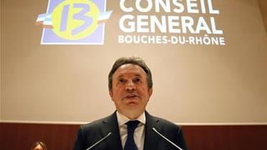 """Jean-Noel Guérini, président du Conseil général des Bouches-du-Rhône. Le Parti socialiste s'est résolu à envoyer une commission d'enquête dans sa fédération des Bouches-du-Rhône, où les accusations de """"clientélisme féodal"""" provoquent un âpre débat entre l"""