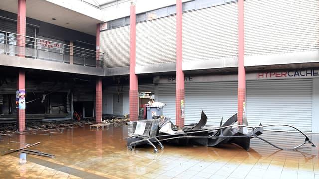 Le magasin casher incendié, à Créteil, photographié le 9 janvier 2018.