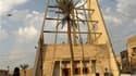 Policiers irakiens montant la garde devant l'église Notre-Dame du Salut, au lendemain de la prise en otages de fidèles par un commando armé. L'assaut lancé dimanche par les forces de l'ordre contre cette église chrétienne s'est soldé par la mort de 52 pol