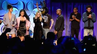 Rihanna, Nicki Minaj, Madonna, Deadmau5, Kanye West, JAY Z, et J. Cole, sur scène à New York, pour la soirée de lancement de Tidal, le 31 mars 2015.