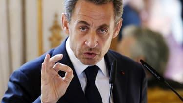 Dans son édition datée de dimanche-lundi, Le Monde écrit que Nicolas Sarkozy prépare activement son retour en politique. Le quotidien avance que celui-ci pourrait prendre la forme d'un appel de ses amis en 2014 suivi d'une offensive de l'ancien président