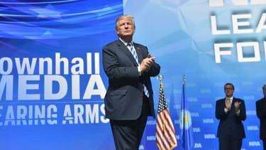 Donald Trump rencontrant la NRA.