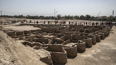 """La """"cité perdue"""" au roi Amenhotep III datant de plus de 3000 ans mise au jour près de Louxor"""