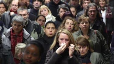 Nicolas Sarkozy reçoit ce lundi patronat et syndicats pour un sommet social qui risque d'être tendu après l'annonce de mesures pour contenir les déficits publics de la France. /Photo d'archives/REUTERS