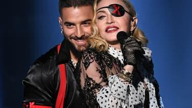 Madonna et le chanteur colombien Maluma sur la scène des  Billboard Music Awards, le 1er mai 2019.