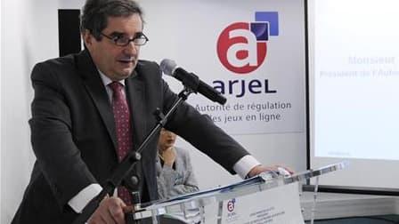 Le président de l'autorité de régulation des jeux en ligne (Arjel) Jean-Francois Vilotte à une conférence de presse le 8 juin dernier. L'Arjel a remporté son bras de fer contre les fournisseurs d'accès à internet (FAI): la justice leur a ordonné de bloque