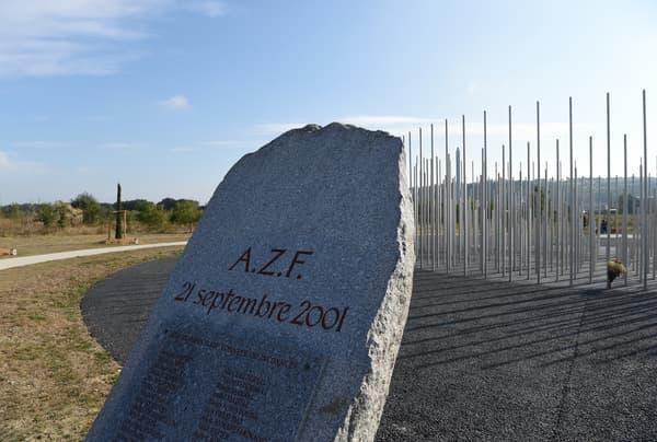 Le mémorial pour les victimes de l'explosion AZF Toulouse, là où a eu lieu l'explosion