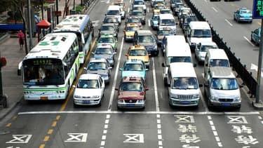 L'essor du marché de l'automobile en Chine tire la consommation de pétrole vers le haut.