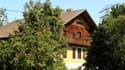 A Sankt Peter am Hart, en Autriche, la maison dans laquelle un octogénaire est soupçonné d'avoir emprisonné, battu et abusé sexuellement de ses deux filles pendant quarante ans. Le suspect, âgé de 85 ans, est interrogé par la police autrichienne. /Photo p