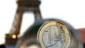 """Selon le ministre du Budget, François Baroin, le déficit public de la France fin 2010 sera inférieur à la prévision actuelle de 8% du produit intérieur brut. """"Ça veut dire que la marche à franchir pour l'année prochaine, qui est intangible et qui doit nou"""