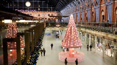 décorations de Noël à la gare Saint Pancras à Londres