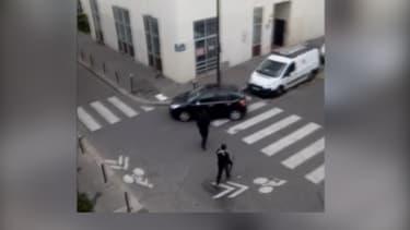 Une deuxième vidéo montre les frères Kouachi après l'attentat à Charlie Hebdo.