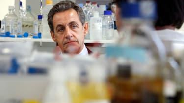 Nicolas Sarkozy lors d'une visite ce jeudi à l'hôpital Necker à Paris