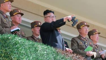 Kim Jong-Un, sur une photo diffusée par l'agence de presse officielle de Corée du Nord, et datée du 14 avril 2017.