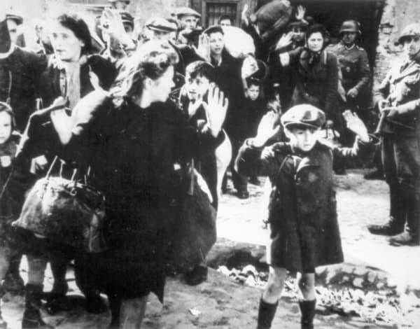 Arrestation dans le ghetto de Varsovie