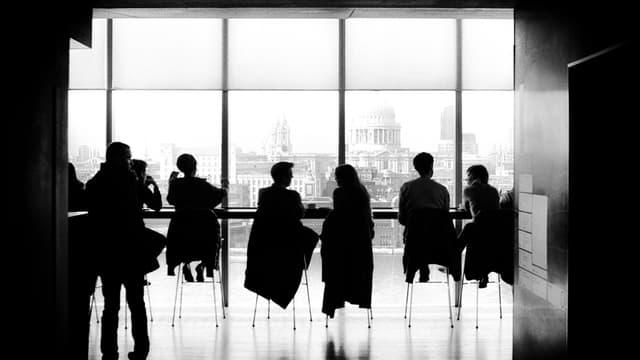 """56% des sondés disent que leurs collaborateurs ne sont """"pas motivés"""", dont 10% sont même """"pas motivés du tout""""."""