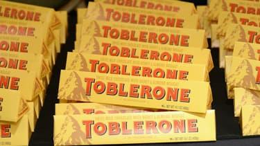 En modifiant la forme de ses barres iconiques, Toblerone pourrait s'être tiré une balle dans le pied.