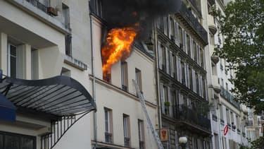 Un violent incendie est survenu Porte de Champerret.
