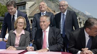 Signature, samedi 13 juillet, de l'accord sur la reprise de Rio Tinto Alcan