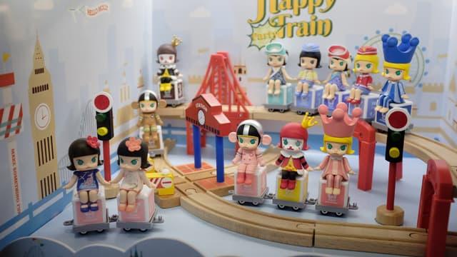 Les figurines Molly sont vendues dans une boite scellée.