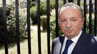 """Jean-Noël Guérini à son arrivée au tribunal de Marseille, la semaine dernière. Les avocats du président socialiste du conseil général des Bouches-du-Rhône, mis en examen pour association de malfaiteurs, ont officiellement demandé le """"dépaysement"""" de son d"""