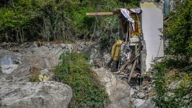 Des bâtiments eventrés après les intempéries dans la Vallée de la Roya, le 7 octobre 2020