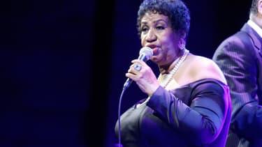 Aretha Franklin sur scène.
