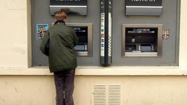 Les Français utilisent de plus en plus leur découvert bancaire