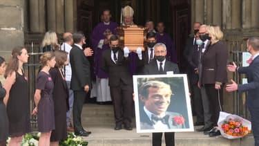 Les obsèques de Jean-Paul Belmondo se terminent