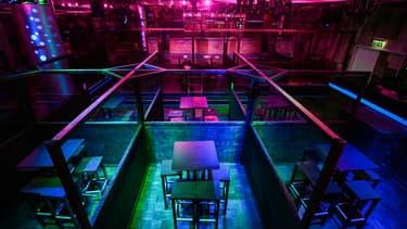 Zones séparées pour consommer dans une discothèque à Dortmund, en Allemagne, le 30 octobre 2020.