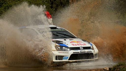 La Volkswagen Polo R WRC de Sébastien Ogier et Julien Ingrassia à Almodovar au Portugal le 4 avril 2014.