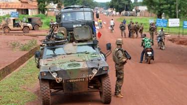 Soldats du 13e bataillon de Chasseurs alpins à Bria, en Centrafrique, le 18 avril dernier (photo d'illustration).
