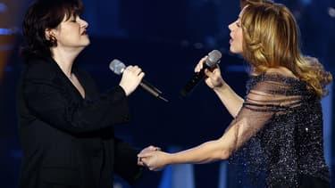 """Lara Fabian, à droite sur la photo, avait enregistré """"Tu es mon autre"""" avec Maurane."""
